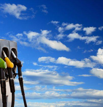 La benzina aumenta sempre, ma potete comunque risparmiare. Con questi trucchi (foto)