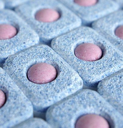 Pastiglie per la lavastoviglie: potete farle in casa con sapone di Marsiglia e bicarbonato di sodio