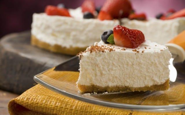 La ricetta per preparare in casa lo yogurt e una gustosa torta