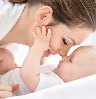Partorire in casa, lo fanno ogni anno 1.500 mamme italiane. Costa in media 2mila euro. Tra i vantaggi, un recupero più veloce (video)