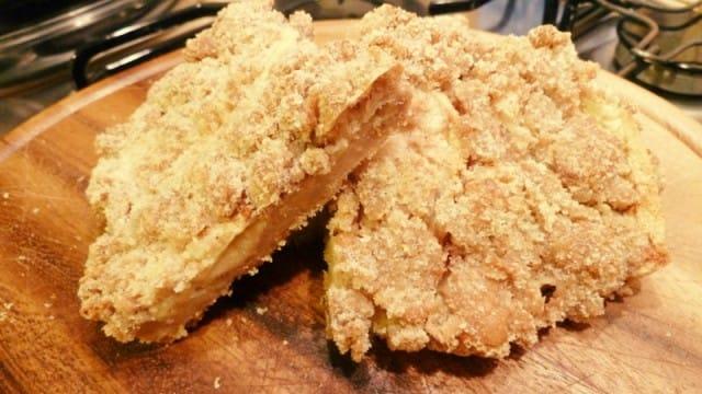 La ricetta della torta di mele con pane raffermo avanzato