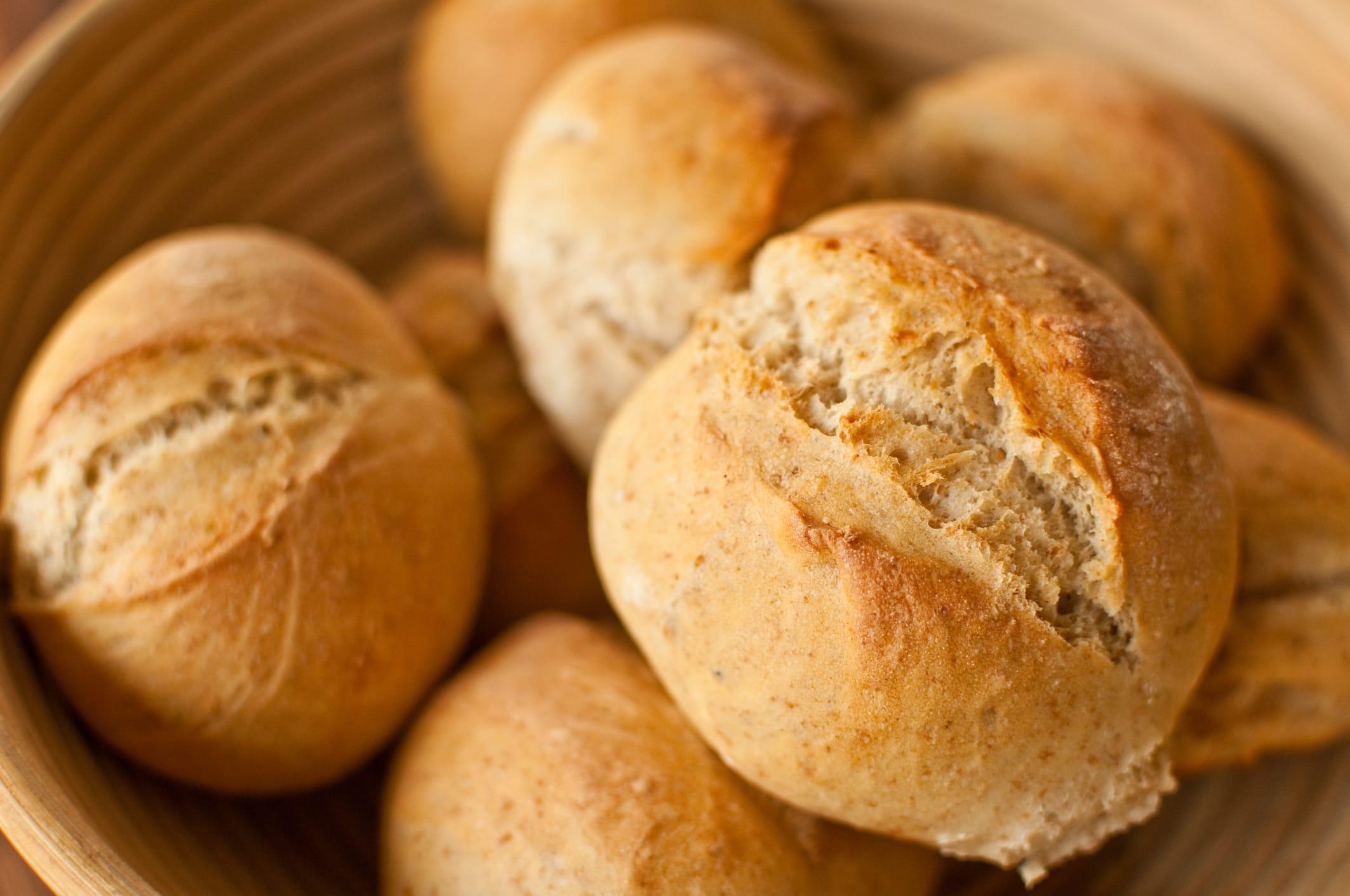 La ricetta dei panini profumati al basilico