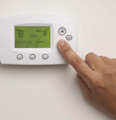 Come risparmiare sul riscaldamento regolando il termostato in maniera corretta