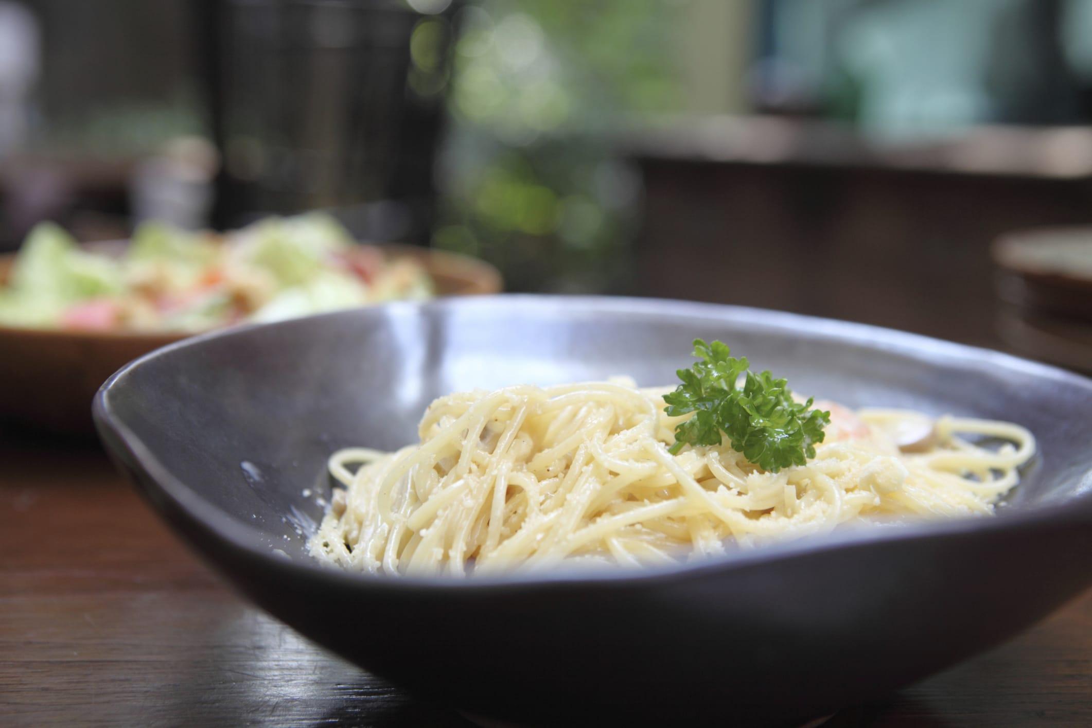 La ricetta per preparare una deliziosa carbonara vegan con tofu e farina di ceci