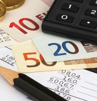 Conto corrente, come si gestisce e come si sceglie. Per risparmiare, tagliare i costi  ed evitare sprechi di soldi.  Online e offline