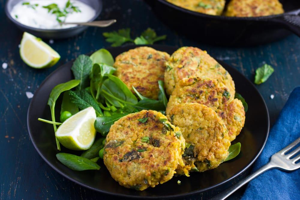 ricetta-polpette-ceci-verdure-patate-forno