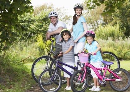 bimbi in bici: il manuale per pedalare in famiglia