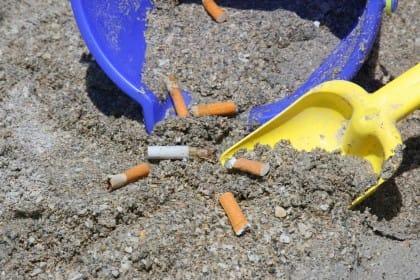 Inquinamento da mozziconi di sigarette: le iniziative dei Comuni e dei singoli cittadini