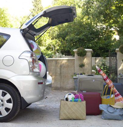 Viaggi in auto, 10 cose da fare per stare sicuri. Controllate freni, olio, gomme e climatizzatore