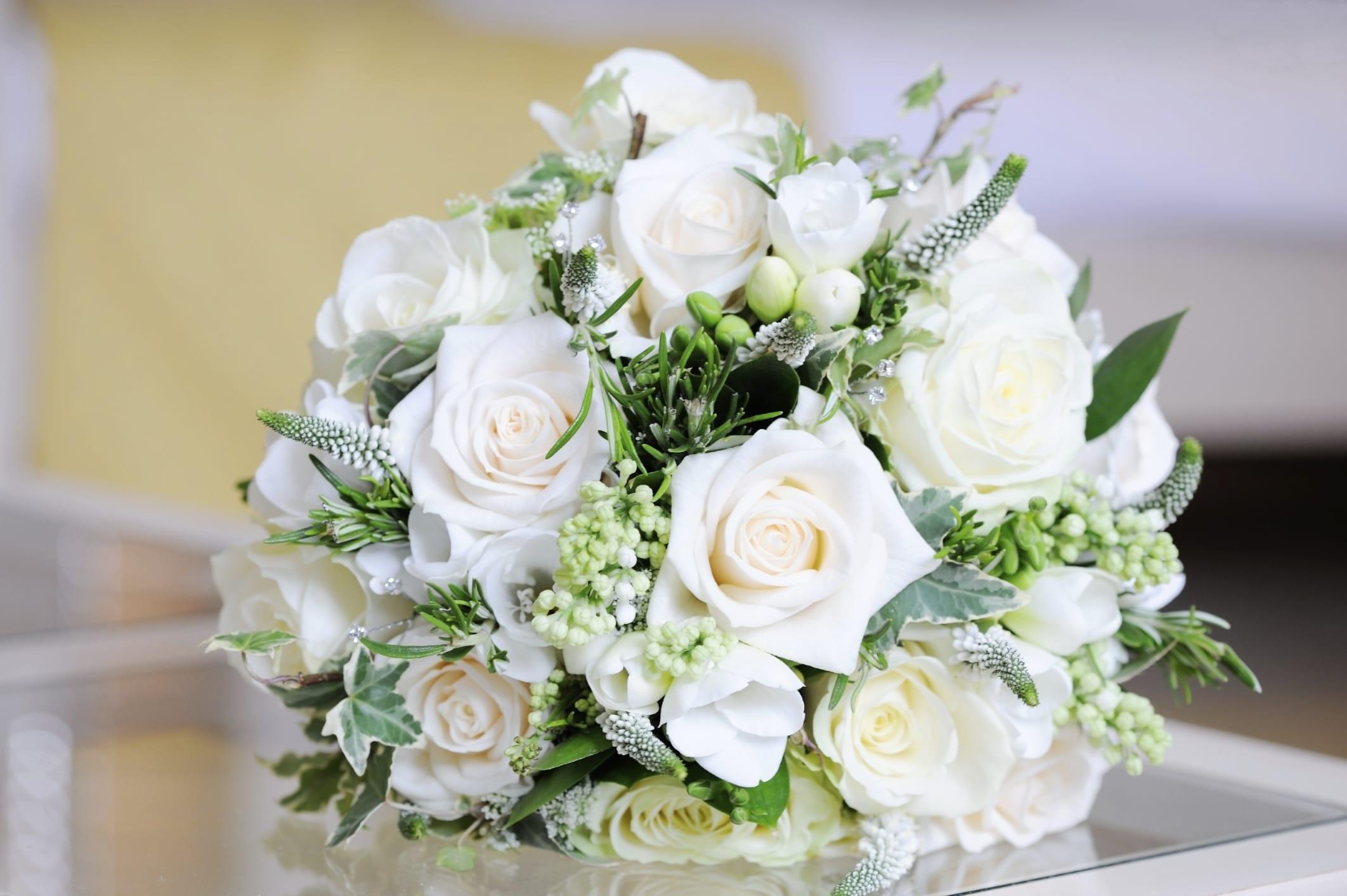 Riciclo creativo matrimonio: tante idee per delle nozze ecosostenibili e low cost