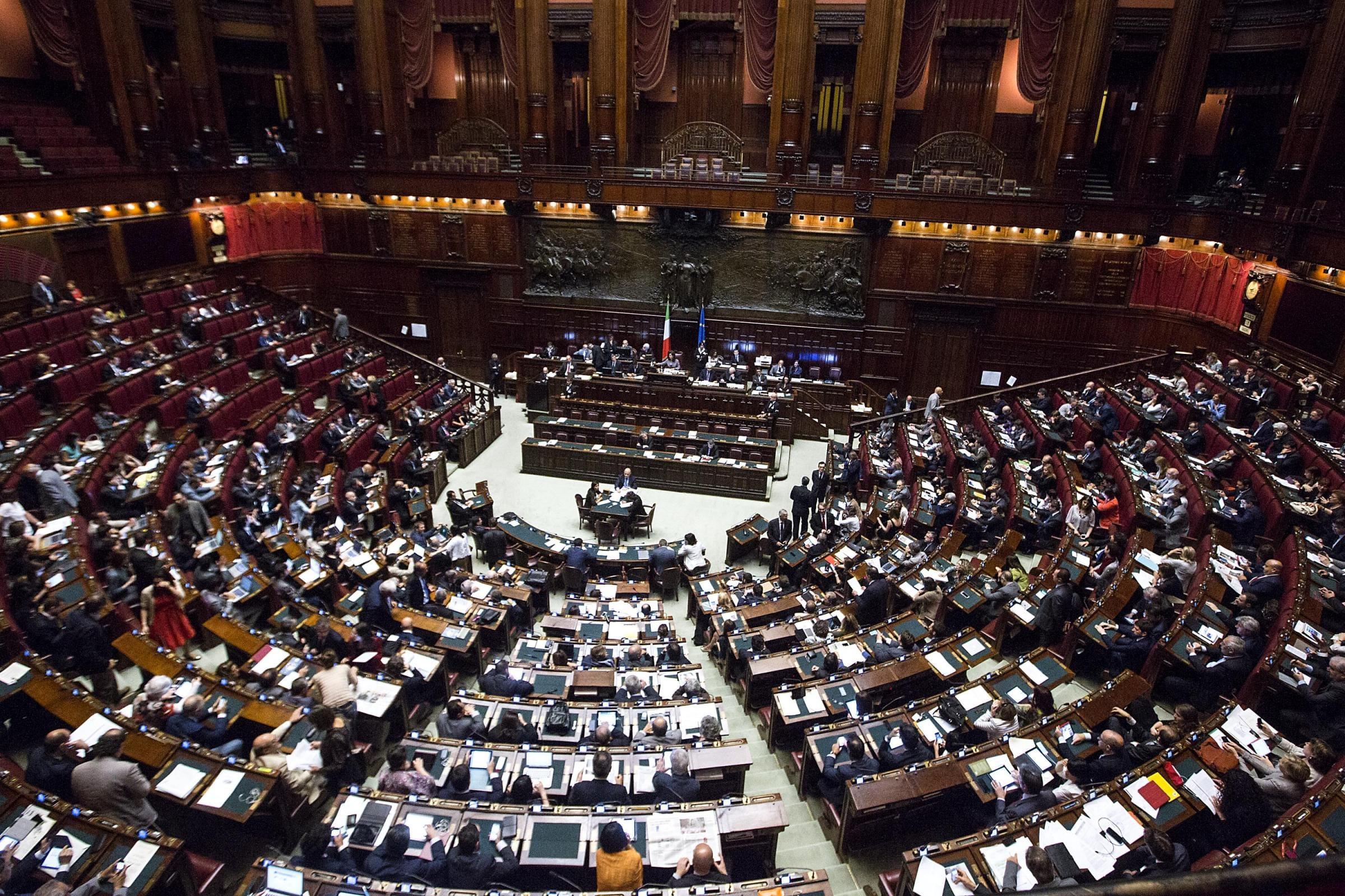 Tagli alla Camera dei deputati: il giallo sui conti dei questori