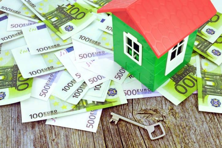 Pagamento tasse casa: gli aumenti e gli sprechi per la Tasi