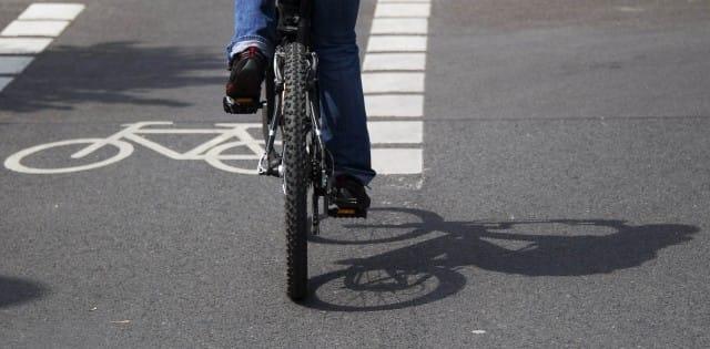 Ricarica biciclette elettriche: Flux, la pista ciclabile a induzione