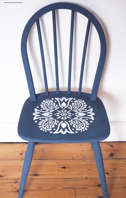 le-vecchie-sedie-diventano-mensole (10)