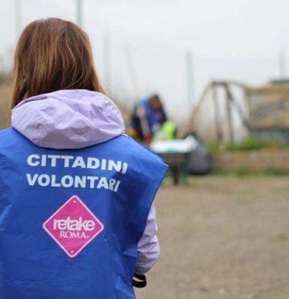 Retake Roma, i volontari che, da dieci anni, ripuliscono i quartieri della città