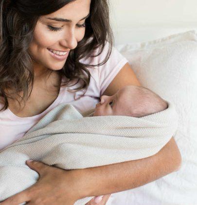 Bebè in arrivo, 10 acquisti dispendiosi e inutili. Cose che non servono e potete evitare