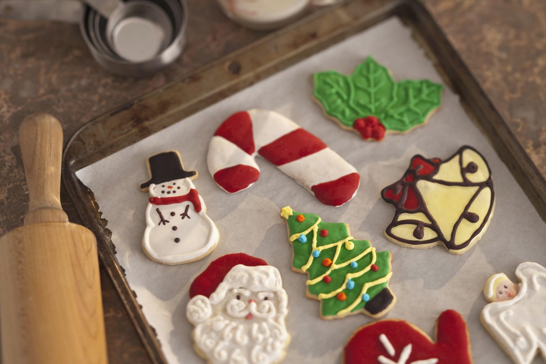 Ricetta biscotti natalizi con glassa: un\'idea gustosa per i regali ...