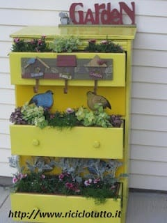 riciclo-creativo-mobili-come-trasformare-cassettiera-in-fioriera (2)