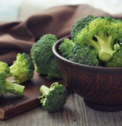 Proprietà e benefici dei broccoli: proteggono occhi e ossa, ci depurano e sono ricchi di antiossidanti