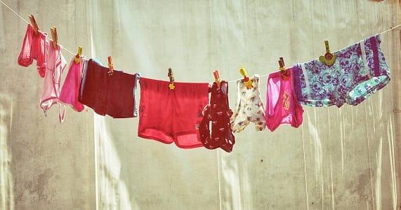 Stendere il bucato per farlo asciugare in casa