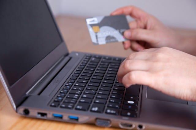 Acquisti su internet: ecco come evitare eventuali frodi