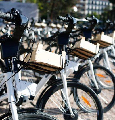 BiciMAD, come funziona il servizio di bici elettriche per cittadini e visitatori di Madrid. Ci sono 165 stazioni, in tutti i quartieri (foto)