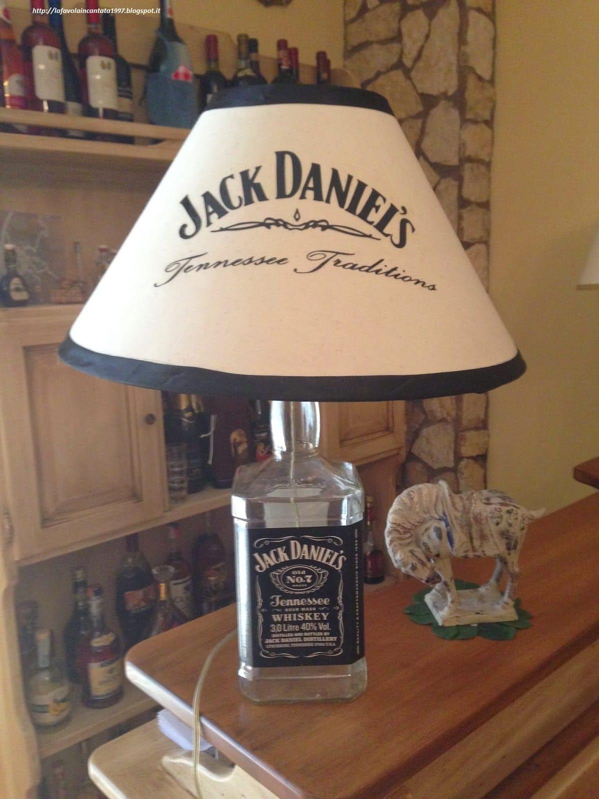 Lampadari Con Bottiglie Di Vetro riciclo creativo bottiglie di vetro - non sprecare