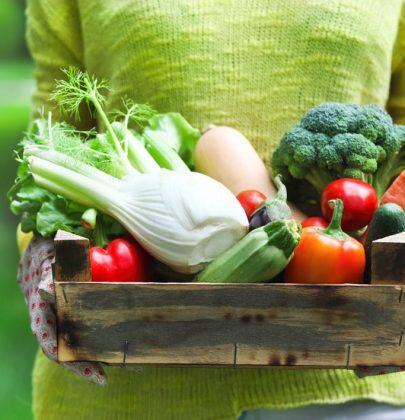 Come conservare frutta e verdura durante l'estate, per evitare sprechi e alimentarsi in maniera sana