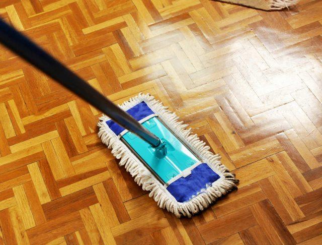 come pulire casa prima delle vacanze