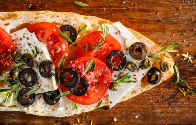 ricette-per-bruschette-veloci-estive-saporite-sfiziose (7)