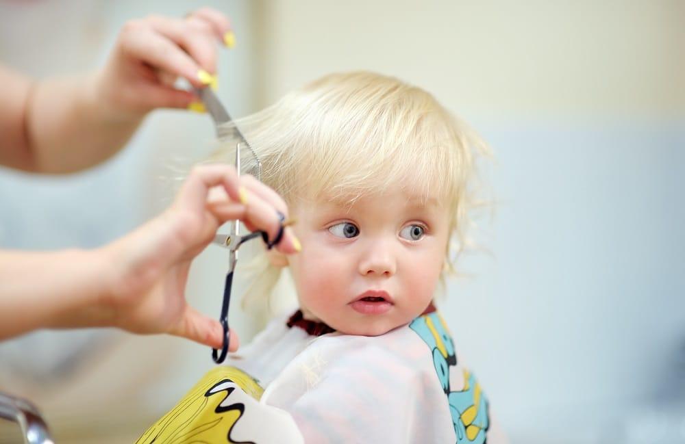 Tagli Di Capelli Per Bambini 2016 : Come tagliare in casa i capelli al bambino non sprecare