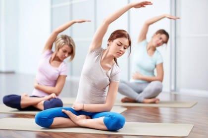 benefici yoga per artrite