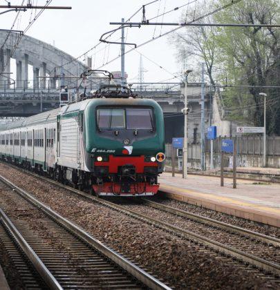 I treni più lenti e vecchi d'Italia sono al Sud. Cambi e ritardi all'ordine del giorno