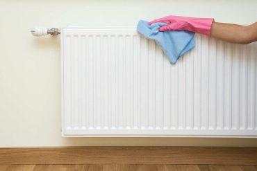 come pulire termosifoni eliminare polvere