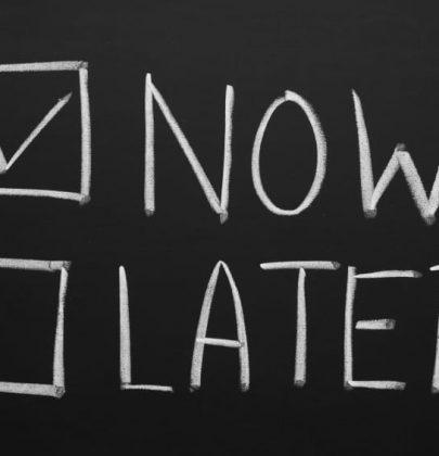 Procrastinatori, la paura della libertà. E l'illusione che sprecando tempo tutto si risolve