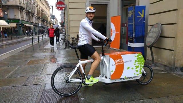 tnt-consegne-bicicletta-bike-delivery (2)