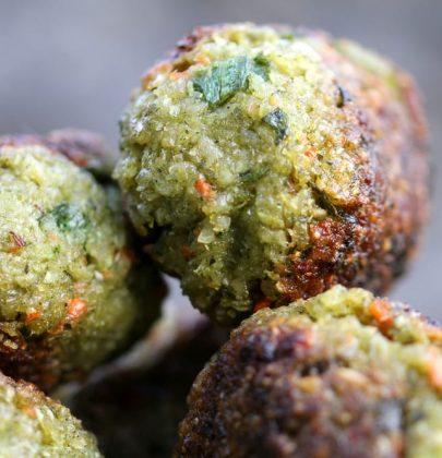 Polpette di farro, la ricetta con le verdure avanzate. E con un pizzico di origano