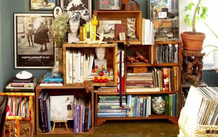 Riciclo creativo come costruire una libreria in cartone for Creare una piantina della casa
