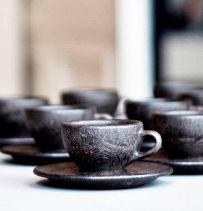 Le tazzine fatte con i fondi di caffè: arrivano da Berlino, e sono belle e sostenibili