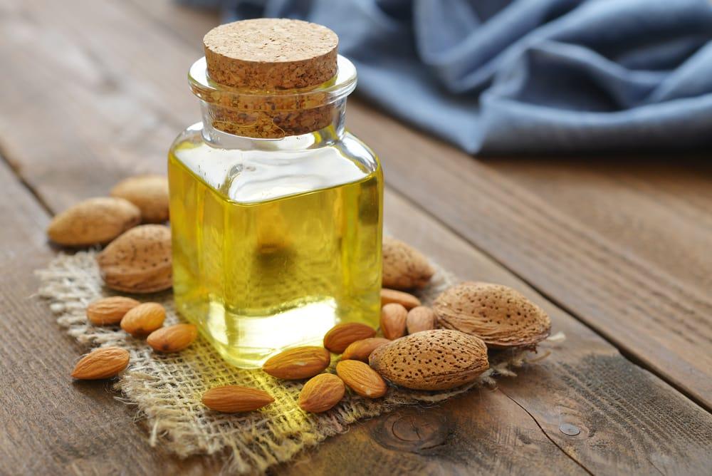proprietà olio di mandorle dolci