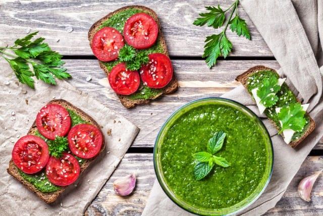 ricetta-salsa-alla-menta (2)