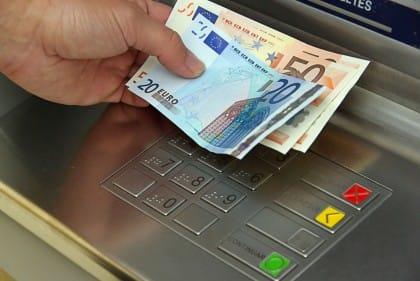 aumento costi dei conti correnti bancari