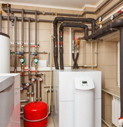 I vantaggi delle pompe di calore: meno dispersione, più risparmio. Con termosifoni o a pavimento