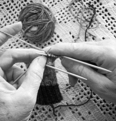 Accessori moda fatti a mano dalle nonne, quando il talento non invecchia (Foto)