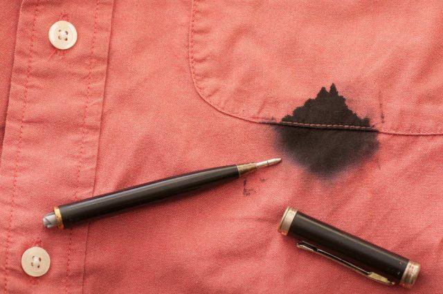 come togliere le macchie dai tessuti in modo naturale e low cost consigli di lucia cuffaro