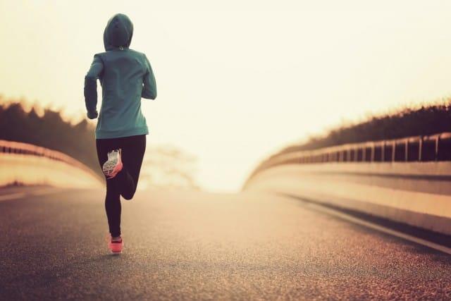 come-camminare-modo-corretto-postura (2)