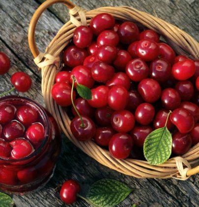 Proprietà e benefici delle ciliegie: proteggono la vista e aiutano il fegato e la pelle