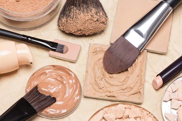 come conservare i cosmetici in estate