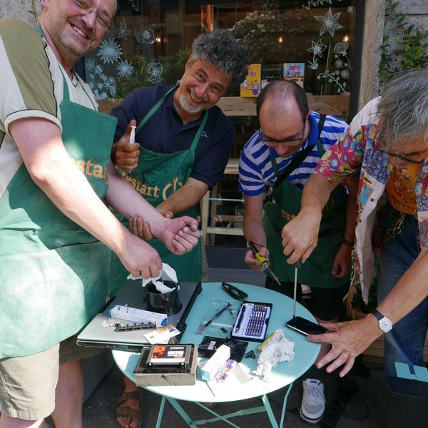 restarter-italia-riparazione-oggetti-volontari (4)