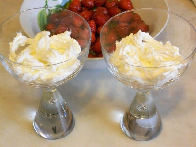 ricetta-dessert-frutti-rossi-panna (7)